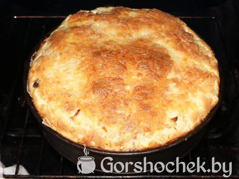 Открытый французский пирог «Киш Лорен» с курицей и грибами И ставим в духовку, разогретую до 180–200