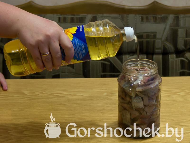 Как засолить селёдку в домашних условиях филе укладываем в банку