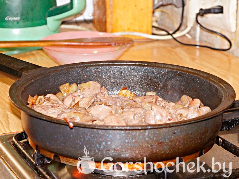 Фаршированные печеночные блины - рецепт пошаговый с фото